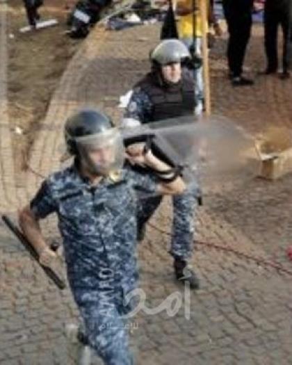لبنان.. المئات يحتجون على تفاقم الأوضاع الاقتصادية وأزمة النقد