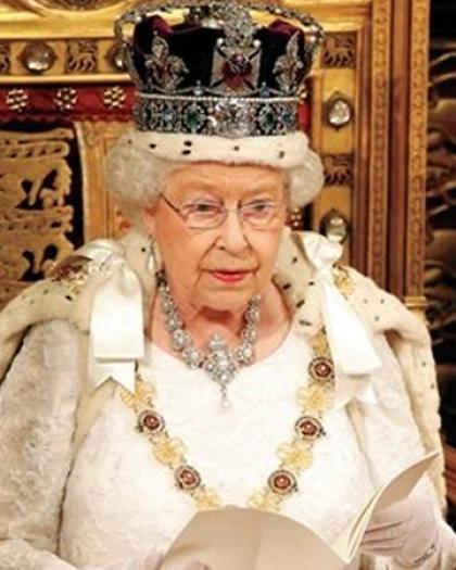 بالفيديو.. تعرف على أسرع قرار للملكة إليزابيث