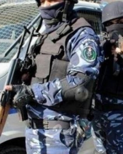 الشرطة تضبط سلاح و مواد يشتبه أن تكون مخدرة في ضواحي القدس