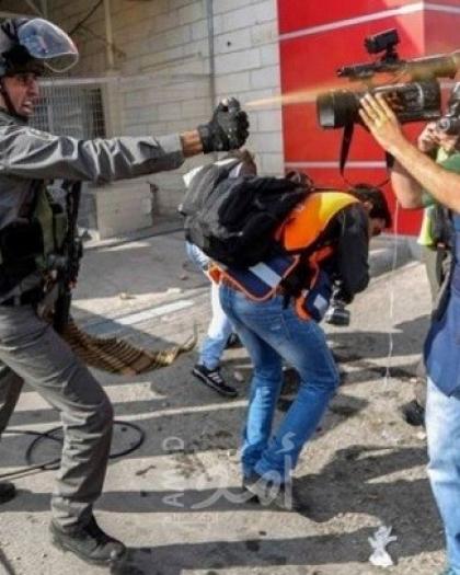 النضال الشعبي تدعو توفير الحماية للصحفيين وضمان عدم إفلات المعتدين عليهم من العقاب
