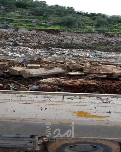 """""""البيئة"""": إرجاع ثلاث شاحنات إسرائيلية محملة بنفايات إنشائية  في قلقيلية"""