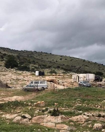 سلطات الاحتلال تسلم إخطارات بالهدم ووقف البناء لـ63 منشأة في الأغوار