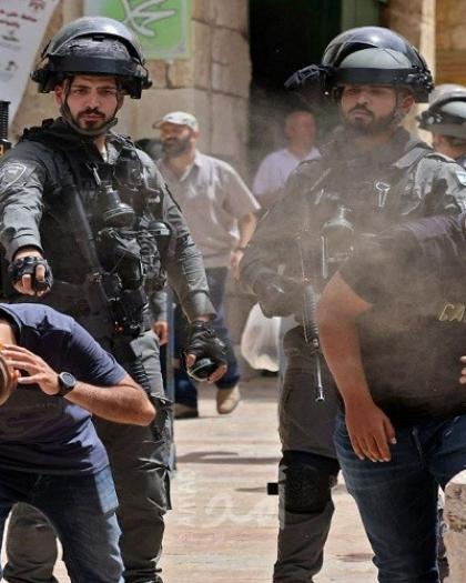 اعتقالات خلال مواجهات مع قوات الاحتلال في باحات المسجد الأقصى