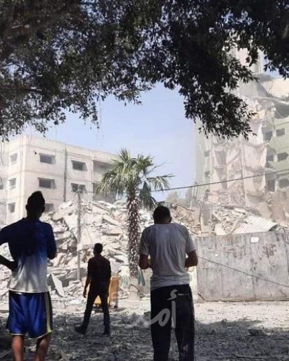 """متناقضات الحياة.. """"لوموند"""": غزة غداة الحرب.. دمار وحداد واحتفالات"""