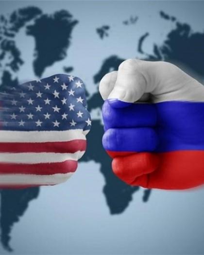 السفارة الأمريكية في موسكو تقلص خدماتها القنصلية بشكل كبير
