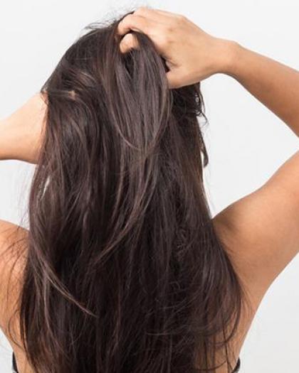 احذري أن تقعي فى أخطاء استخدام زيت الشعر